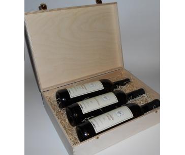 3 lahve vína z vinařství DOBRÁ VINICE v dřevěné kazetě – Chardonnay 2012 qvevri, Sauvignon 2013 qvevri, Nejedlík orange 2011 qvevri