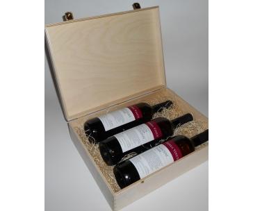3 lahve vína z vinařství DOBRÁ VINICE v dřevěné kazetě – Cuvée Národní park 2015, Kambrium 2014, Veltlínské zelené 2015