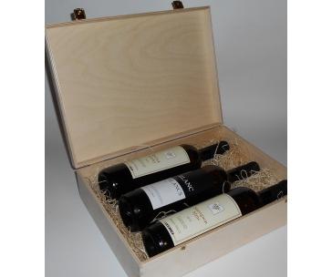 3 lahve vína z vinařství DOBRÁ VINICE v dřevěné kazetě – Ryzlink rýnský 2013, Sauvignon 2012, Blanc de Blancs 2015