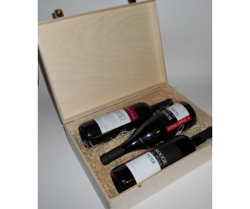 3 lahve vína z vinařství DOBRÁ VINICE v dřevěné kazetě – Andrea natura 2013, Rouge de Pinot Noir 2012, Rouge de Pinot Noir 2013 qvevri