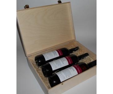 3 lahve vína z vinařství DOBRÁ VINICE v dřevěné kazetě – Andrea natura 2013, Kambrium 2014, Cuvée Národní park 2015